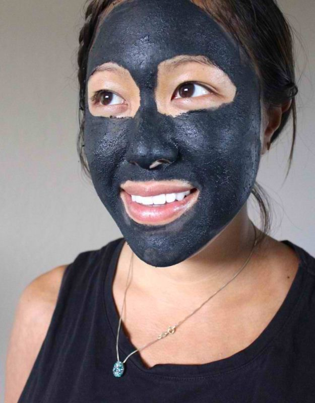 Activated charcoal has many astounding benefits. From teeth whitening to purifying air and water. It is an actual befalling miracle that works wonders