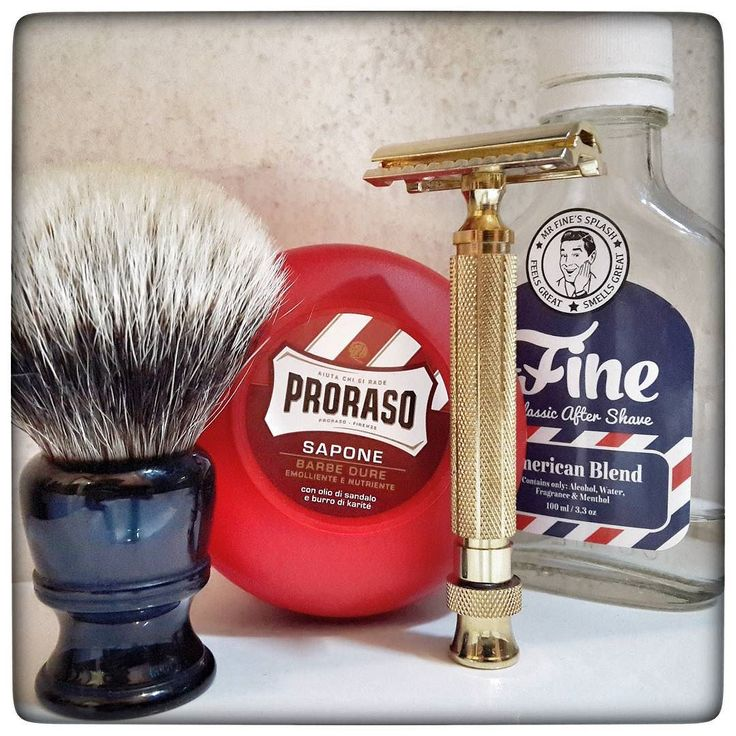 December 4th 2016 - Shave of the day #Sabi T2 Gold safety razor ( PAK )  #Treet carbon black blade ( PAK ) #Proraso Red sandalwood shaving soap ( ITA )  #AmericanBlend aftershave by #MrFine ( USA )  #finest #badger shaving brush by #Vigshaving ( CHN )  #shavelikeaman #shaveoftheday #blaireau #shavingculture #sotd #classicshave #derazor #vintageshave #wetshaving #worldshave #safetyrazor #italianwetshavers #rasierhobel #rasaturatradizionale #thebarberpole #afeitado