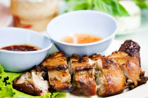 Thai Style Grilled Chicken and Som Tam – Hai Somtam Convent, Bangkok