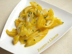 I finocchi allo zafferano sono un contorno appetitoso e facilissimo da preparare. Un modo un po' diverso di cucinare i finocchi.
