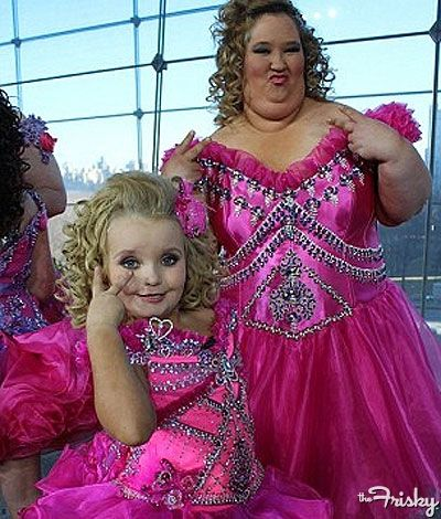 Honey Boo-Boo Alana And Her Mom In Matching Outfits - Click for one more pick after the jump.