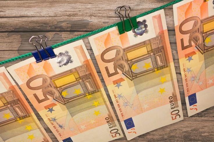 Chcete byť vo svojom živote úspešní? Vybudovať si finančnú slobodu ešte v produktívnom veku? Kľúčom pre dosiahnutie tohto cieľa je správne narábanie s peniazmi.  Pristupujte ku peniazom tak, ako knim pristupujú ľudia, ktorí sú úspešní. A