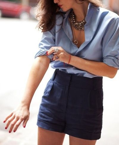 I kinda want this shirt!! 101 fashion tricks every girl should know, I love how perfect and natural she looks