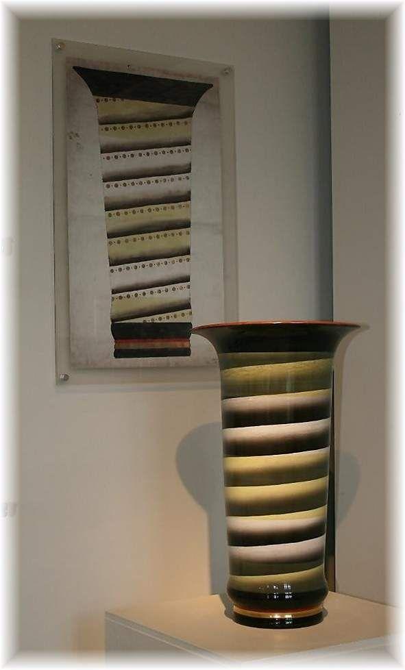 Vase by Nora Gulbrandsen for Porsgrund Porselen. Production year 1927-37. From Ilmy's fotografier