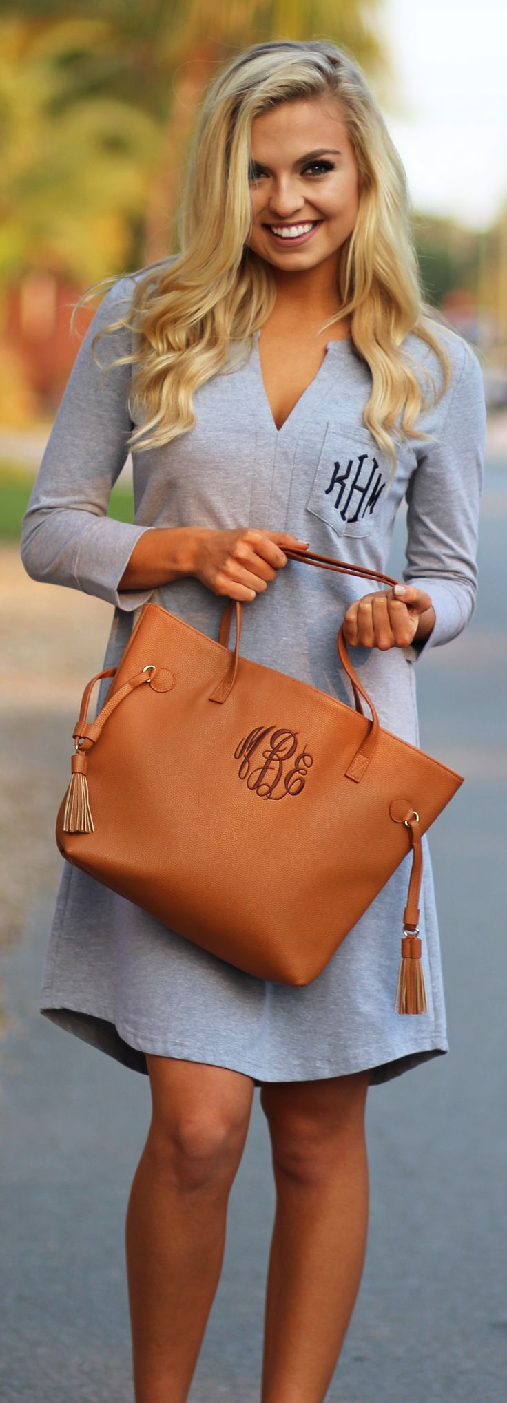 In LOVE with how simple & sweet this Monogrammed Dress looks with this Monogrammed Purse #perferctpair #casualoutfits