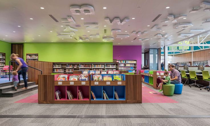 The new library replaces an outmoded subterranean library, reestablishing the street façade that gives Hennepin Avenue its distinctive character and scale. L...