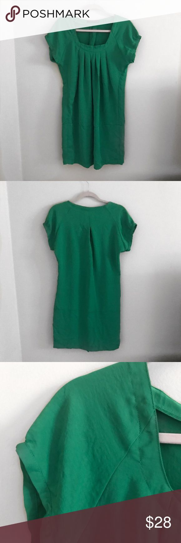 Zara Kelly Green Dress Zara Kelly Green Dress. Size medium. In gently worn condition. Perfect for the holiday parties! Zara Dresses Mini