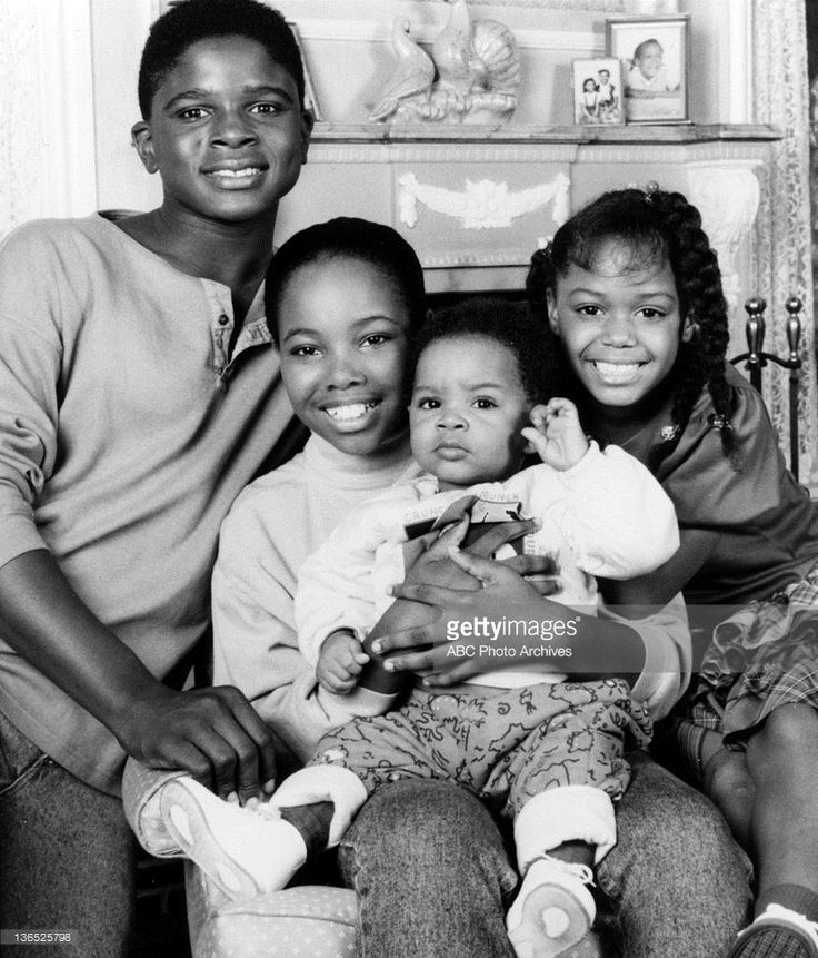 FAMILY MATTERS November 17 1989  DARIUS MCCRARY;KELLIE SHANYGNE WILLIAMS;JOSEPH JULIUS WRIGHT;JAIMEE FOXWORTH Credit: ABC Photo Archives / contributor