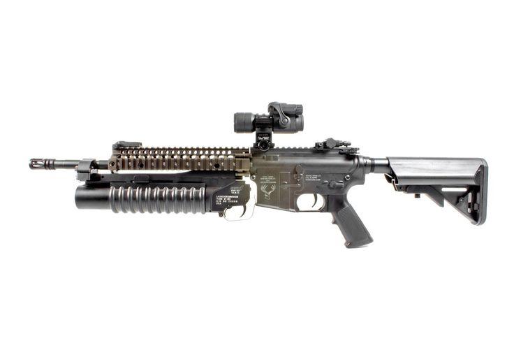"M4 carbine with Daniel Defense 9.55"" RIS II handguard and M203"