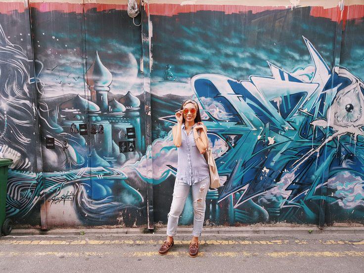 Singapore Street Style / Street Art in Haji Lane | Love Bella Vida | #lovebellavida #hajilane #streetstyle #streetwear #streetart #graffiti #outfit #timberland #loafers