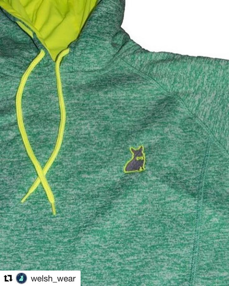 MUST HAVE !!! #Repost @welsh_wear  Make our Under The Sea Green Women's Hoodie a part of your world!  #YesWeLoveTheLittleMermaid #corgi #musthave #doglover #corgination #preppy #corgilover #ETLTIL