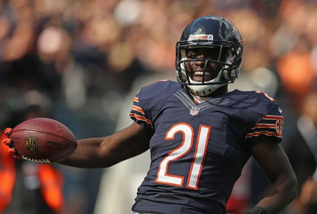 The Chicago Bears' defense held the St. Louis Rams without a touchdown and scored one of their own on Sunday en route to a 23-6 victory at Soldier Field.