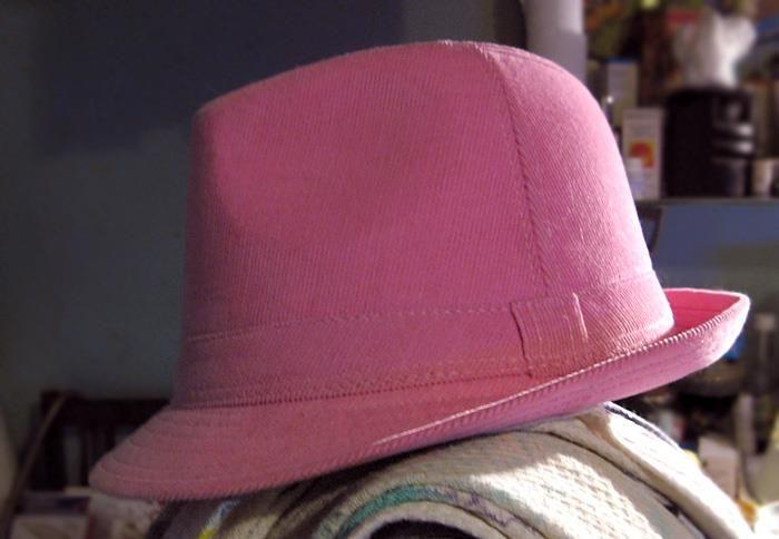 Розовая шляпа фото