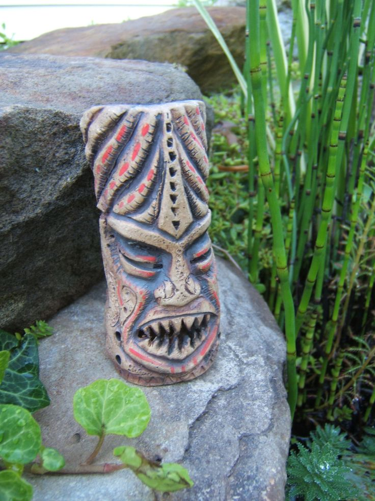 TIki incense burner. Carved by De'Ath. Though he does mostly paintings. https://www.facebook.com/DeAthArt