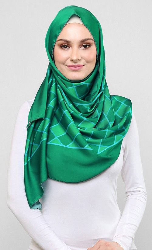 Weave Shawl in Green