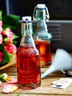 Rosenblüten-Likör