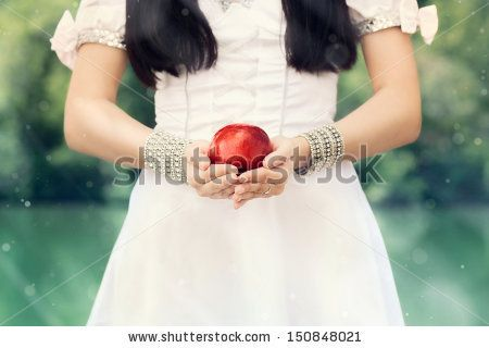 Snow white concept photo shoot, poisoned apple