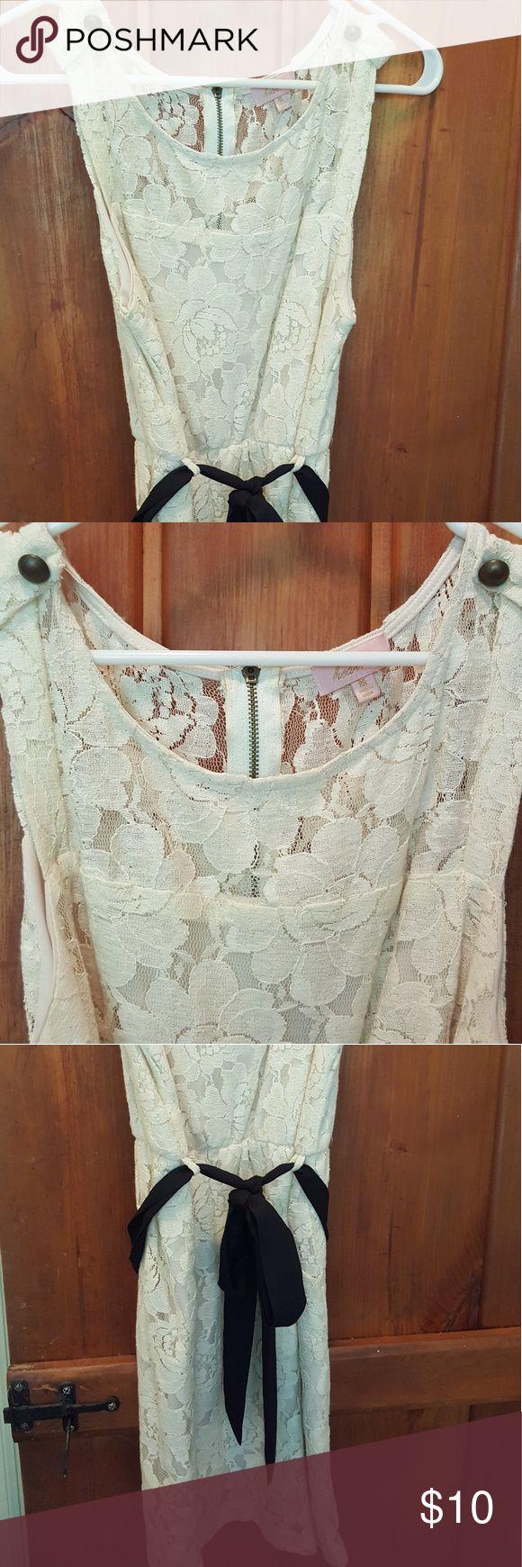 Cream lace short dress Great condition. Dresses Mini