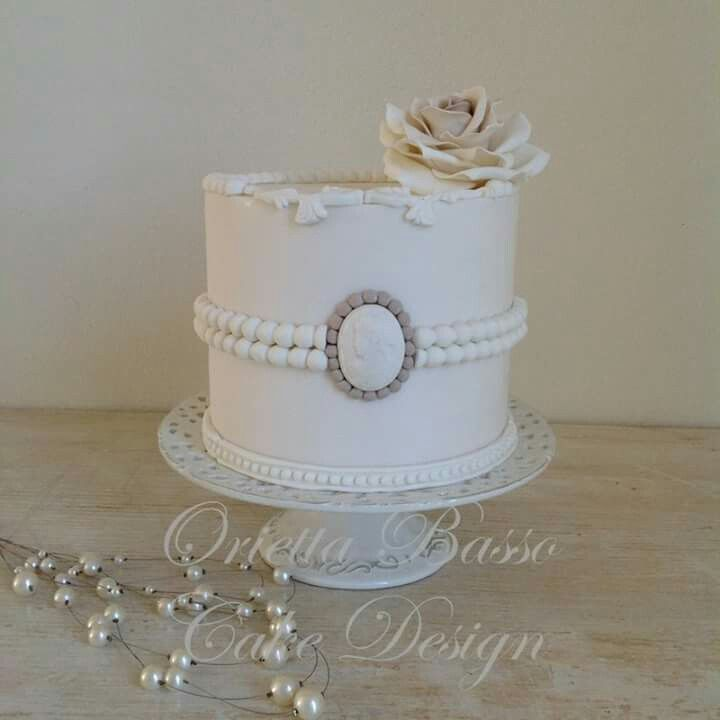 Simple Wedding Dresses Montreal: 390 Best Ideas About Cameo Cakes On Pinterest