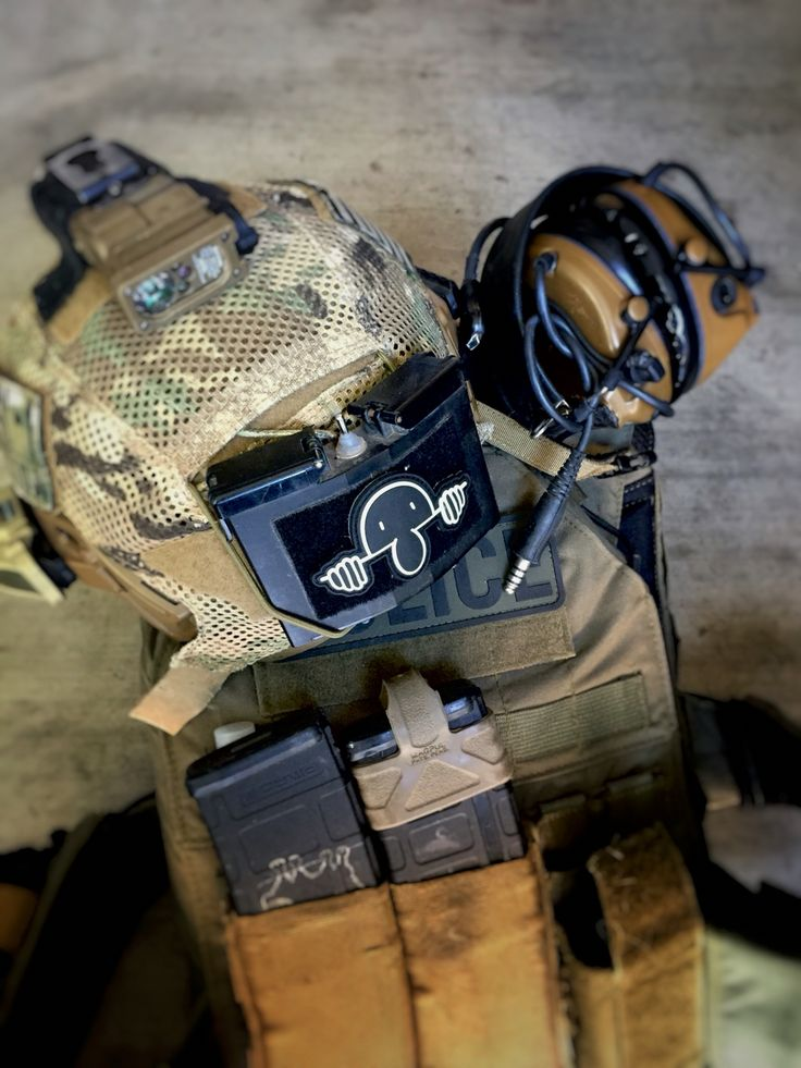 Kilroy Was Here two piece collectors patch. Helmet is a Team Wendy Exfil Carbon and the plate carrier is a Tactical Tailor Fight Light http://blacksheepwarrior.com/store/product/interlocking-kilroy-patch/ #Kilroy #Kilroywashere