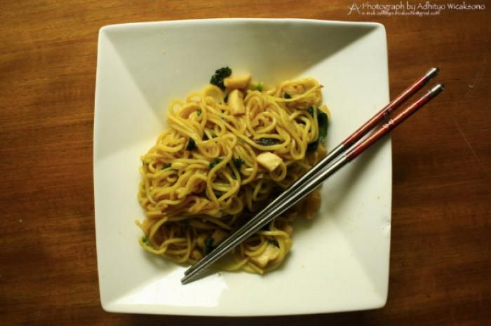 11 Things You Can Do to Improve a 40-Cent Bag of Ramen (Slideshow) | Slideshow | The Daily Meal