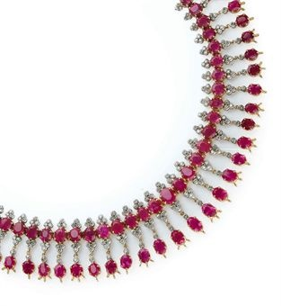 AN INDIAN RUBY, DIAMOND, SILVER AND GOLD FRINGE NECKLACE