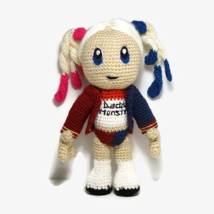 Amigurumi Harley Quinn : Crocheted 9.5