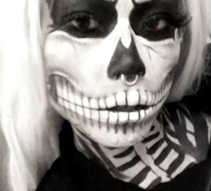 cool diy zombie skeleton halloween makeup tutorial {video}
