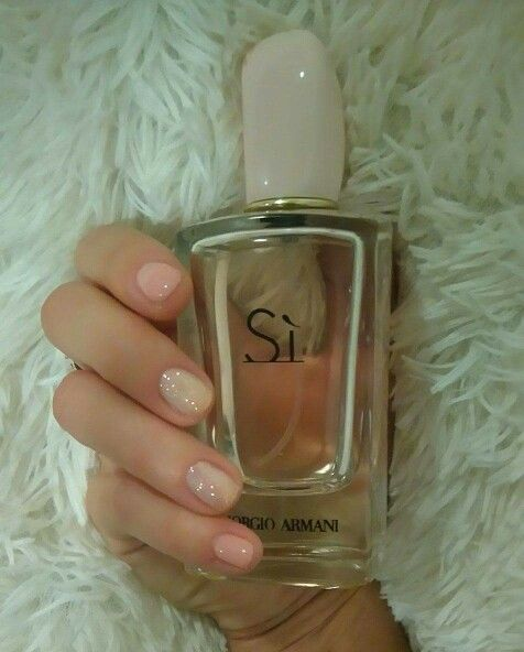 #nails #sí #armani #romantic #beautiful #sparkle #puder #pretty