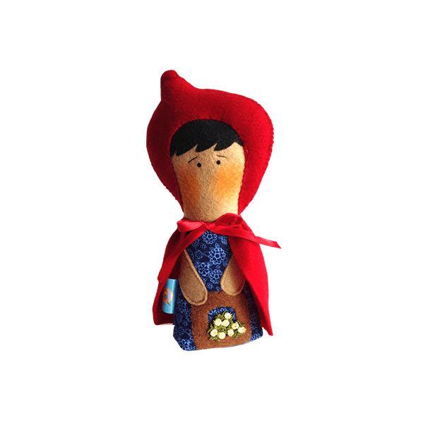 Hermoso personaje elaborado en paño lency, puedes utilizarlo como muñeco decorativo en la habitación de tu pequeño.