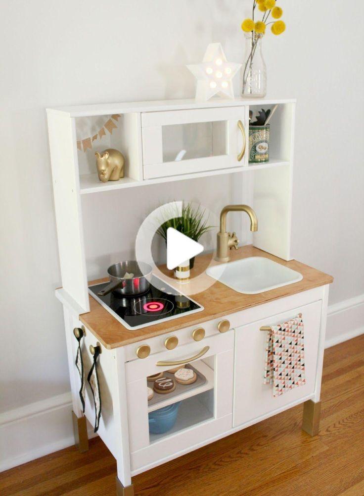 winzige Küche. in 2020   Ikea spielküche, Ikea ideen ...