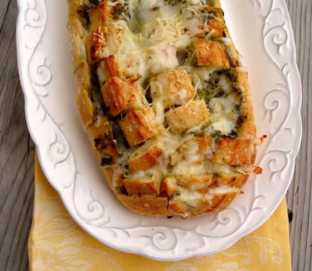 Cheesy pesto pullapart bread!