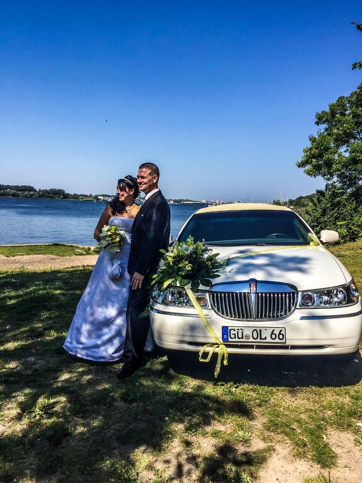 Hochzeit in Rostock mit der Fotografin Anni Ehringhaus am Warnowufer in Gehlsdorf