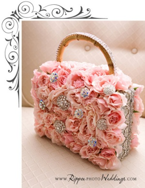 purse bouquet I think this would be a cute bible case