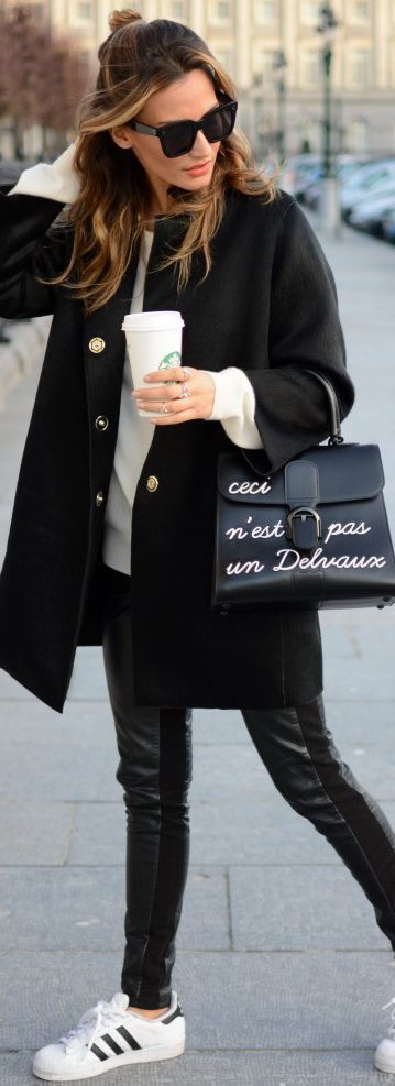 Jacket: PINKO – Legging: H&M – Sweater: UNIQLO – Sneakers: ADIDAS – Bag: DELVAUX – Sunglasses: CELINE by SUNGLASSAVENUE.