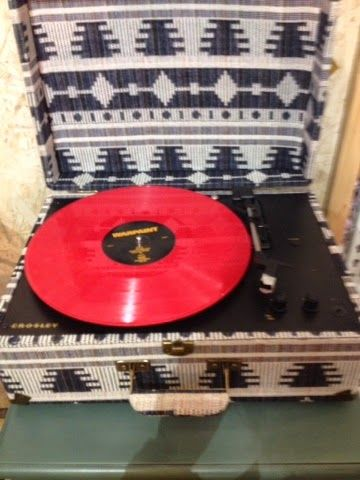 Julie's Lifestyle: Wordless Wednesday - Old Fashioned Record Player