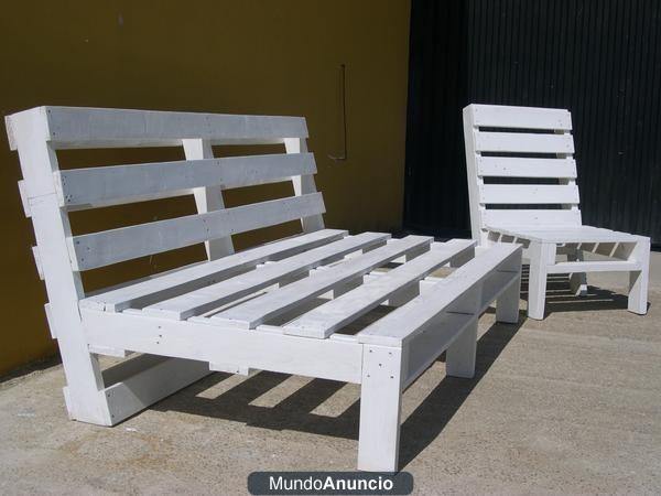 Sof cama de palets reciclados estilo chill out baleares for Reciclado de palets sillones