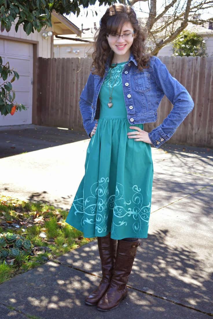 Best 25+ Barn Dance Outfit Ideas On Pinterest | Bandana Hair Bows Sock Buns And Curling Hair ...