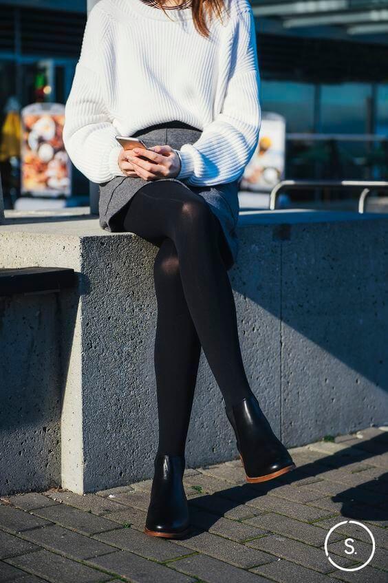 13a2d4d6e15 Черные челси с короткой юбкой и свитером оверсайз
