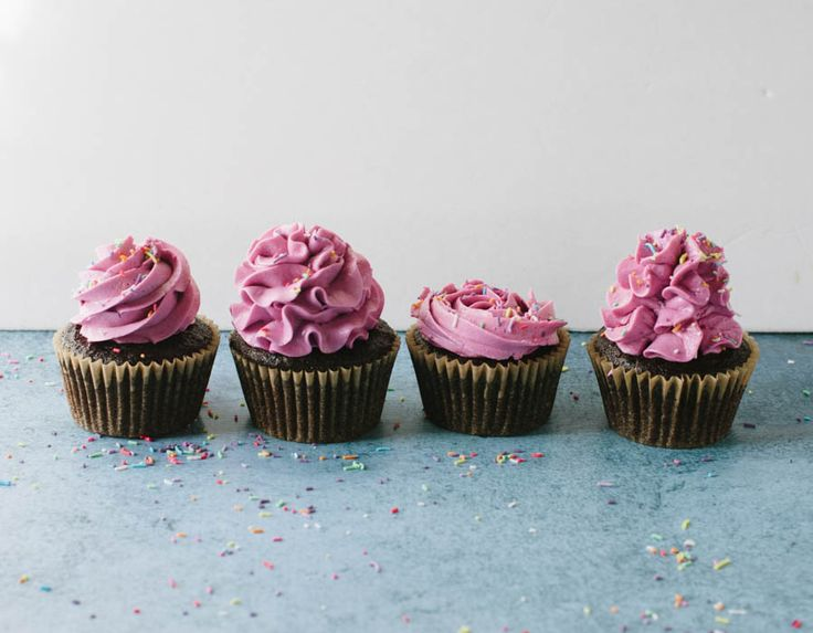 Four Ways to Frost a Cupcake with a Wilton 1M Tip (plus a video!)