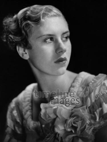 Frisuren ullstein bild - Gregor Harlip/Timeline Images #1934 #30er #1930er #30s #1930s #Haircut #Hairstyle #Haarschnitt #Haare #Hair #Frisur #Frisuren #Mode #Wasserwelle