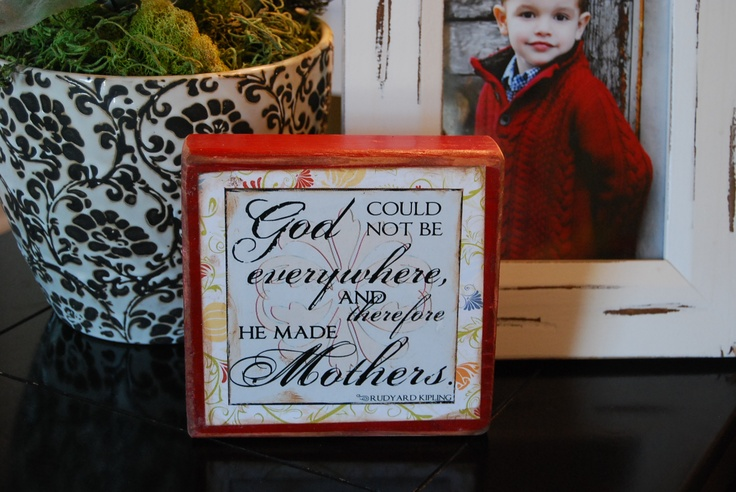 Inexpensive gift for Mom and Grandma.  DIY Mother's block only $3.95.