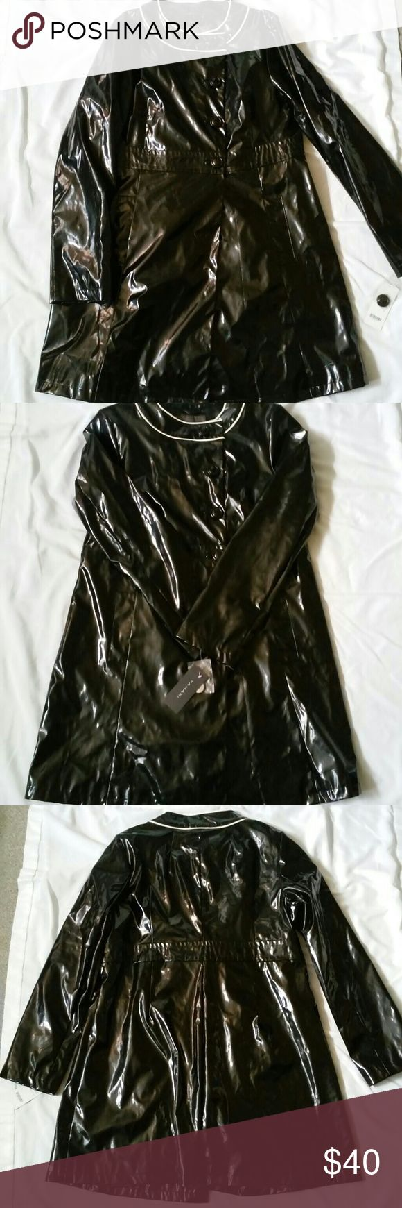 Tahari Coat Tahari Judy raincoat, patent leather. No stains or tears. Completely lined. Never worn. Tahari Jackets & Coats Trench Coats
