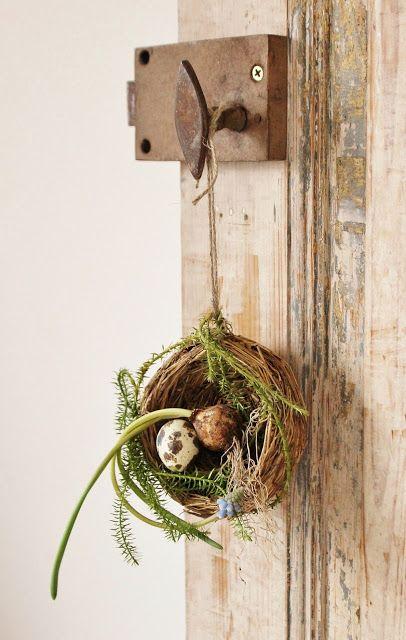 Tiny nest door decoration