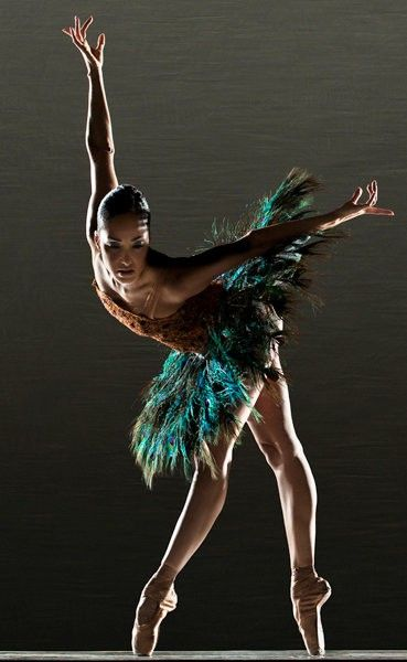absolutely gorgeous. dancer. pointe
