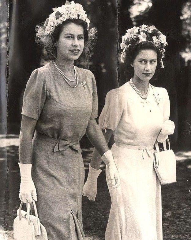впервые королева елизавета и маргарет фото изобретают все новые