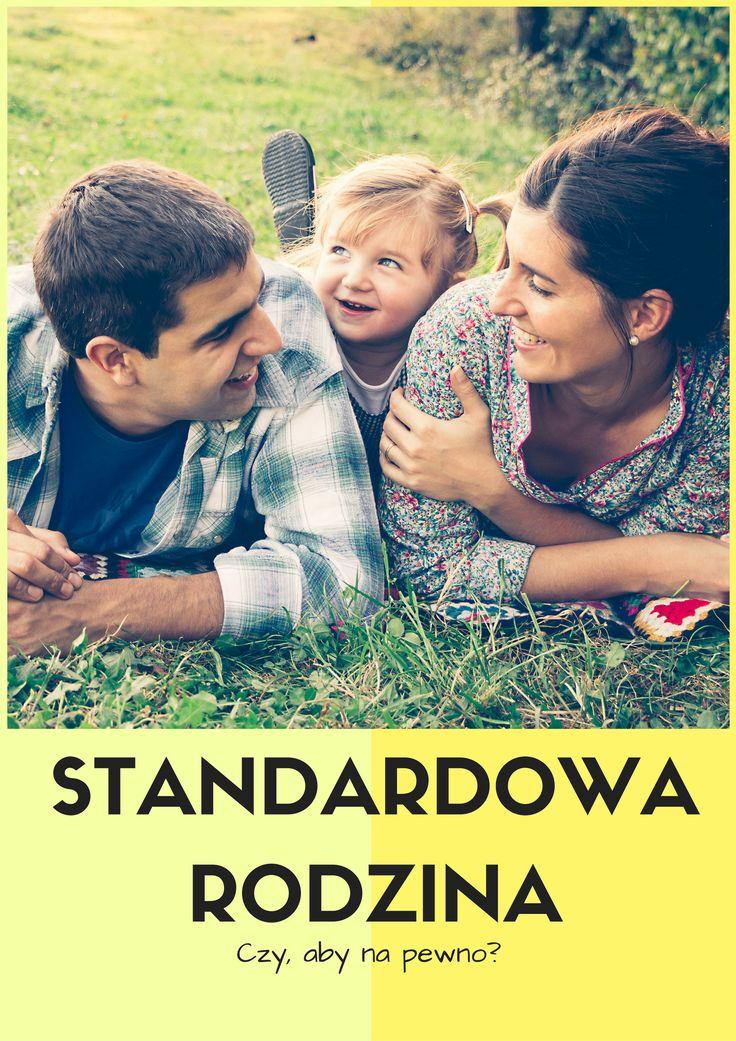 """Mama, tata, dwoje dzieci, czyli tradycyjne """"2+2"""" - jeszcze kilkanaście, kilkadziesiąt lat temu tak właśnie wyglądała standardowa rodzina."""