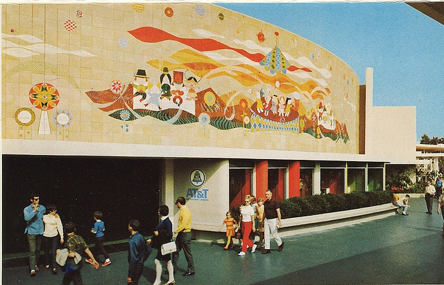 Circlevision 360 Theater, Tomorrowland, 1967 - 1997, features a Mary Blair mural depicting communication.