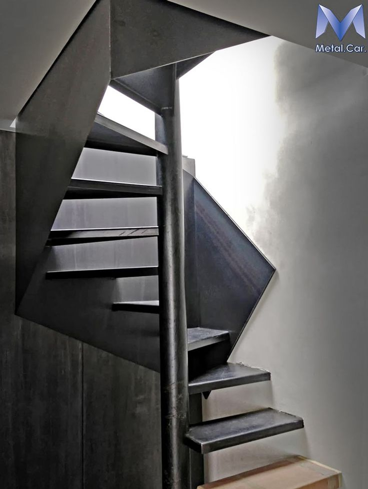 Scala in Ferro Nero Cerato - Black Waxed Steel Staircase
