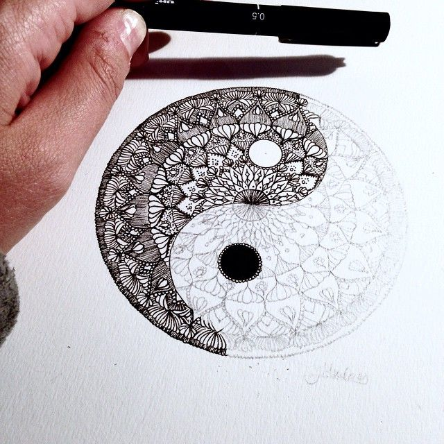 Mini Yin and Yang. I'm gonna make a whole set of mini drawings which can be mixed and matched to put into small frames ☯ . That is after I finish my owl drawing excuse my nails I'm getting them done tomorrow!